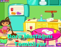 Dora Mutfağını Temizliyor