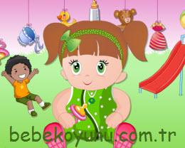 Kız Bebeği Giydir